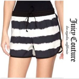 ☀️Black & white striped juicy couture shorts☀️